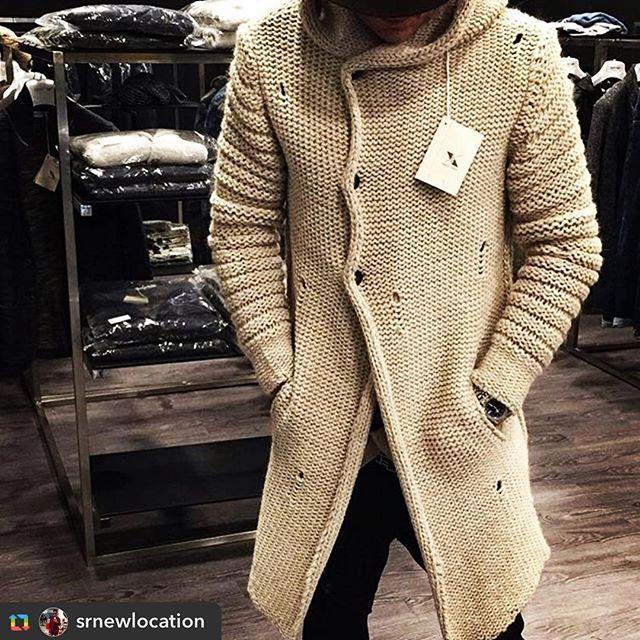 Xagon man details  #repost @srnewlocation Sergio riva.  #cardigan #madeinitaly #details #fashion #menswear #xagonman #moda #uomo #instagood #outfit #picoftheday #menstyle #brand