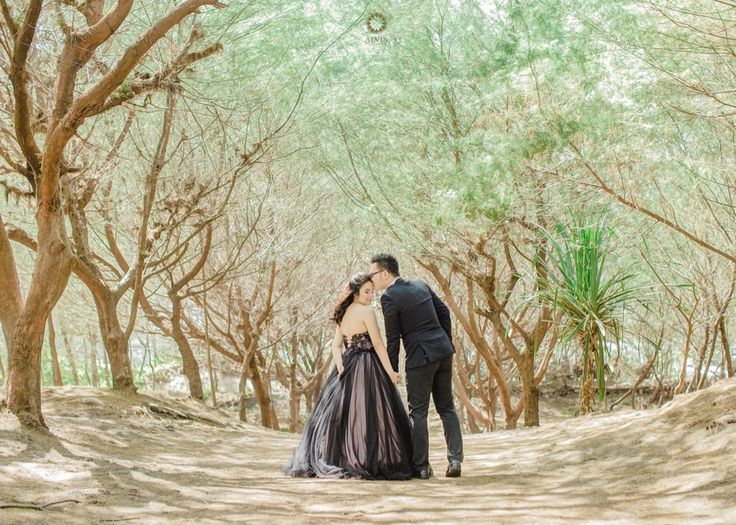 I love the way you look at me before you kiss me. . Courtesy from Inke & Kevin Prewedding Location Pantai Goa Cemara Yogyakarta . . Photograph by @mohdnoval Check our website for the other photos at www.alvinphotography.co.id