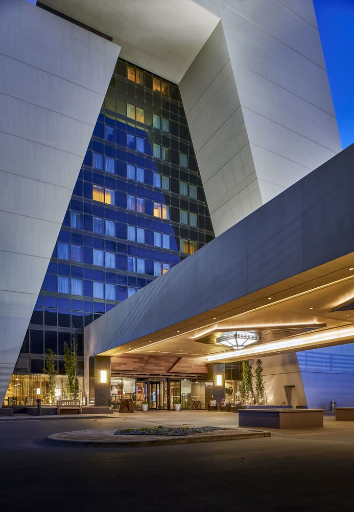 Renaissance Denver Stapleton Hotel From 127 Night With A Free Airport Shuttle 7 5 Miles Venue Places To Stay Pinterest