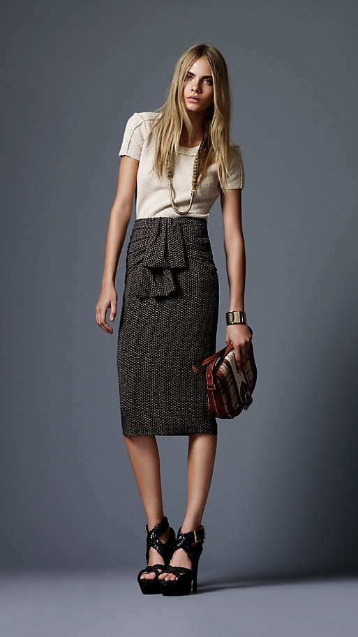 nice skirt: Outfits, Fabulous Skirts, Burberry Skirts, Clothing, Flirtati Fashion, Pencil Skirts, Sweet Style, Fashion Curr, Cute Skirts