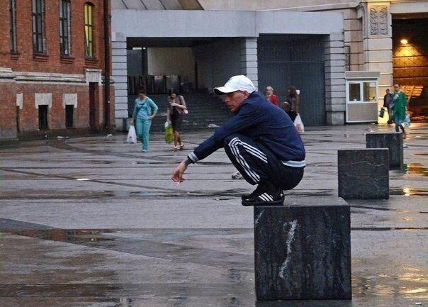 frío Tren Crudo  This is why Adidas pants have vertical stripes and the sneakers' stripes  have an angle. - Album on Imgur | Adidas pants, Vertical stripes, Adidas