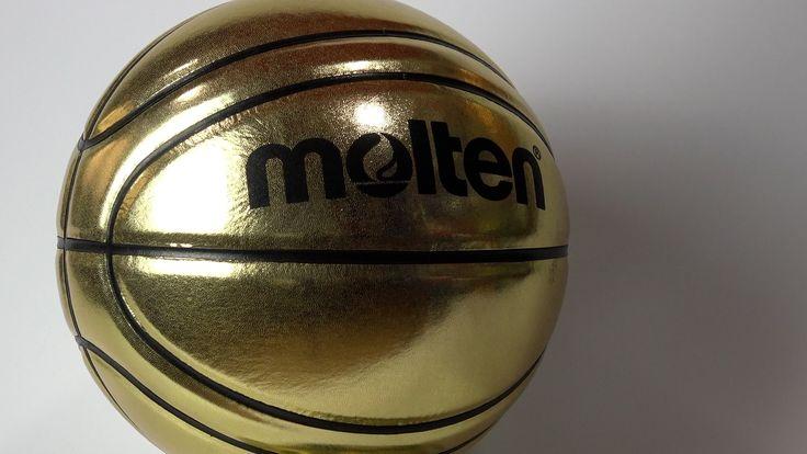 Balón dorado de baloncesto. Ideal para autografos de entrenadores y jugadores para homenajes, regalo, decoración y fotografía. No apto para jugar. #basketballball #pelotasbaloncesto #fotografíabaloncesto #molten #basketspirit