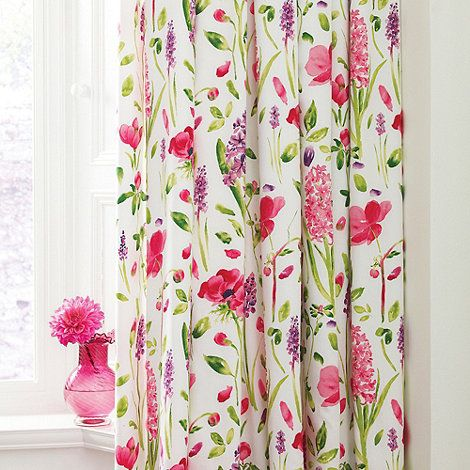 The Spring Flowers curtains are bursting with life depicting delicate poppy stems and hyacinths in vibrant spring tones.  Fully lined, with tape top headings, these curtains are available in two sizes, 66