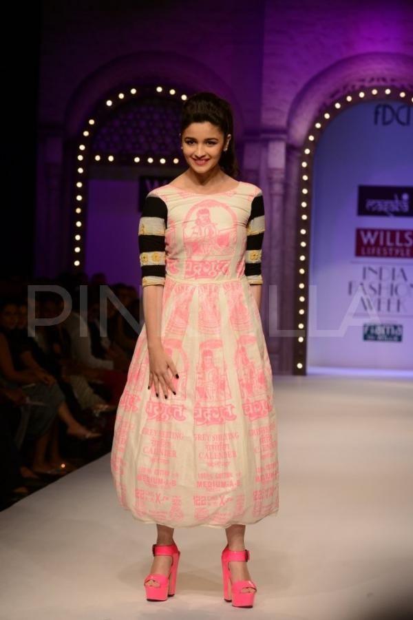 Alia Bhatt walks for Masaba Gupta at WIFW SS14 |