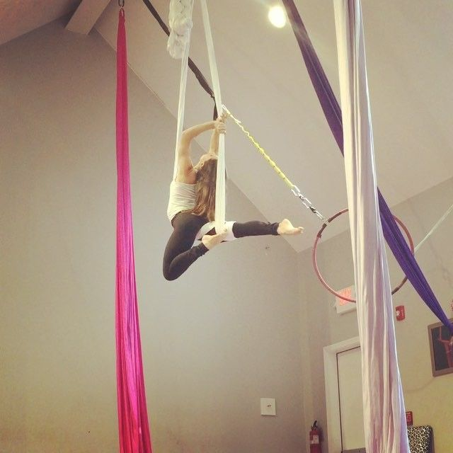 Simple Roll Up Combo #aerial #aerials #aerialist #aerialarts #aerialsilks #aerialsling #aerialhammock #circus #cirque #circusarts #circusgirls #circusnation #circusinspiration #cirqueartistcirque #usaerial #kamafitness #nhladance #dancer #fitspo #fitmama #fitnessmotivation #fitness #girlboss #girlswholift