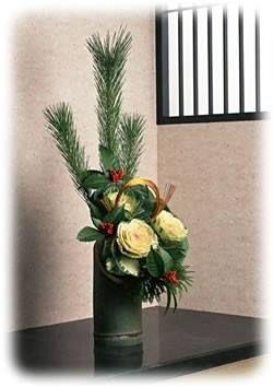 正月にお客様を迎えるときには、 華やかお正月飾りしたいですよね。 松と南天があれば、それだけで雰囲気満点!!
