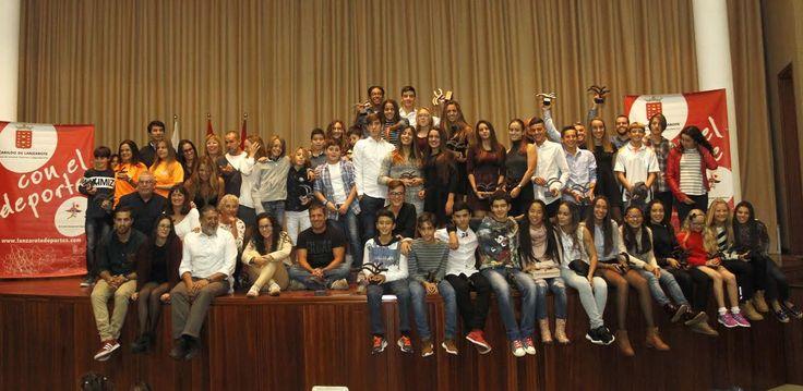El Cabildo de Lanzarote entregó los trofeos de las copas de Natación en Aguas Abiertas, Mountain Bike y Carreras por Montaña