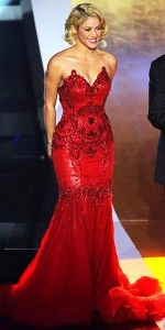 Shakira, red dress. See who is in the top 10 most beautiful women in the world of 2015 >>> http://justbestylish.com/the-worlds-10-most-beautiful-women-of-2015/