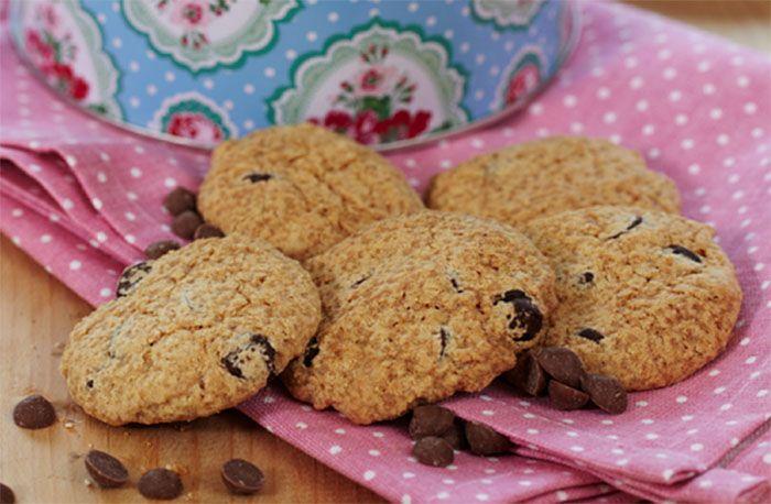 Knapriga och glutenfria chokladcookies är en given vinnare på fikabordet.