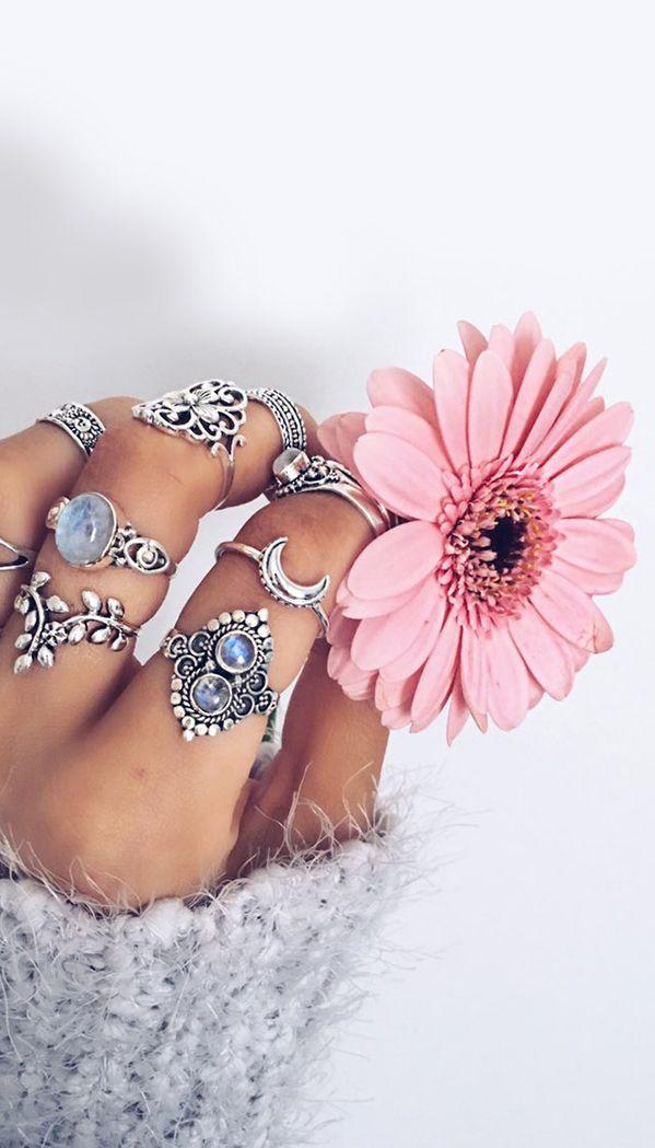 http://rubies.work/0258-ruby-rings/ Boho jewelry style