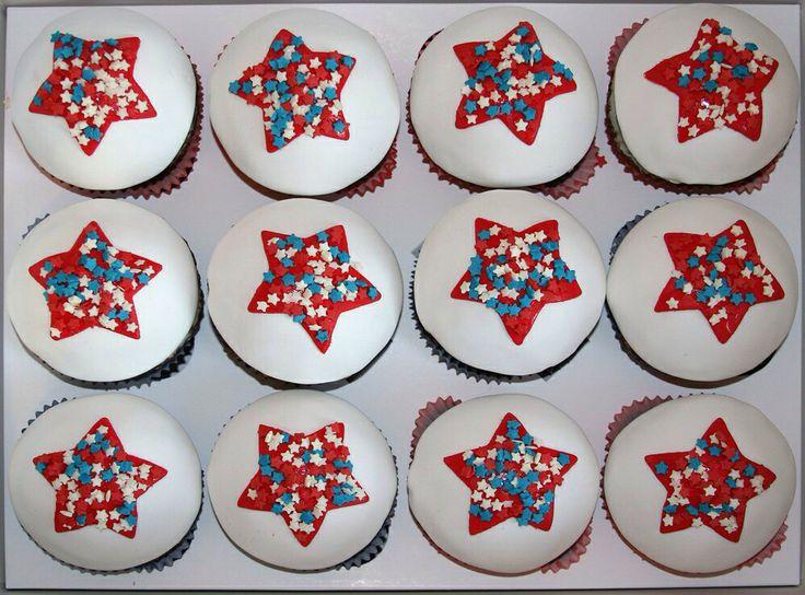 Шоколадные кексы с сухофруктами к 23 февраля. Chokolate patriotic cupcakes for 23 february day at Russia.