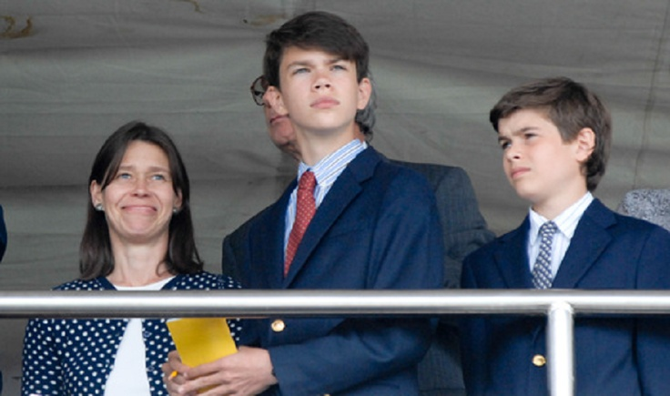 (L-R) Lady Sarah Chatto with her sons, Samuel Chatto and Arthur Chatto attends Goodwood Races on 31 July 2012