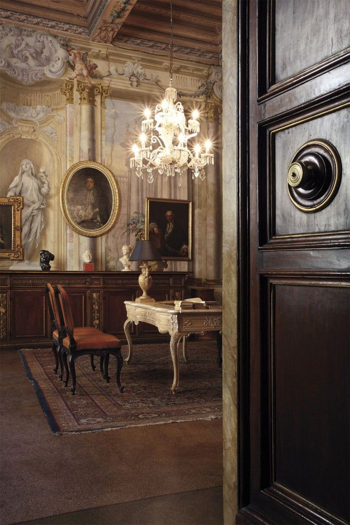 Classico-ed-arte. С ценами модно ознакомиться здесь  http://www.mebelclub.ru/factory/chelini/ #chelini #furniture #home
