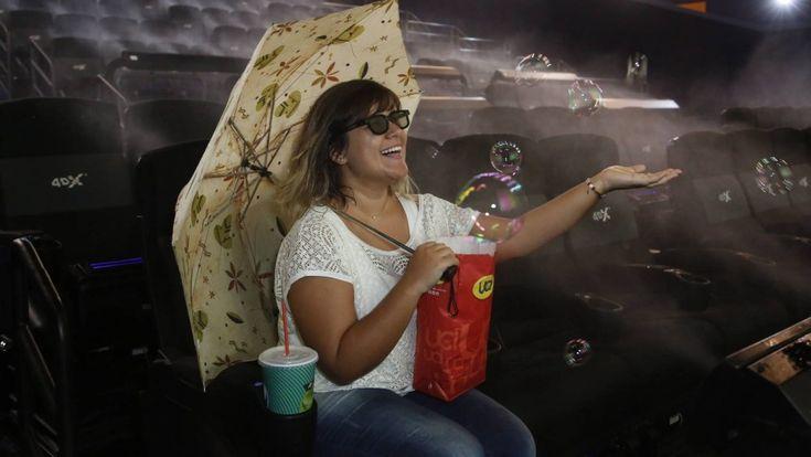 A previsão do tempo alerta: no Rio, há possibilidade de tempestade dentro do cinema. Na primeira sala 4D da cidade — um espaço recém-aberto com 112 lugares no...