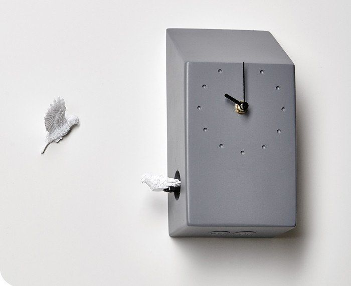 The Cuckoo X Clock by Haoshi Design is a beautiful, modern interpretation of the traditional cuckoo clock. Instead of working diligently alone this ceramic cuck