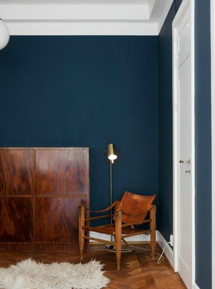 Interessantes Design Vom Schlafzimmer Petrol Wandfarbe Weißer Teppich