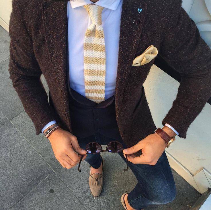 Via @bilalgucluu  #worldsuniquedesigns #loveit #suitup #suit #man #fashion #styling #fashionstyling #mansfashion #manstagram #manstyle #suitdesigner #manshoes #dailylook #look #lookbook #manslook #casualsuit #fashionable #likepost #likelikelike