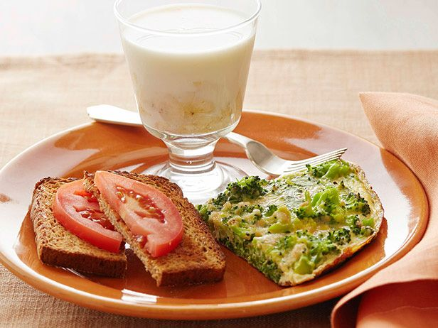 Broccoli Frittata with Tomato Toast and Banana Milk #myplate #letsmove #dairy #protein #veggies