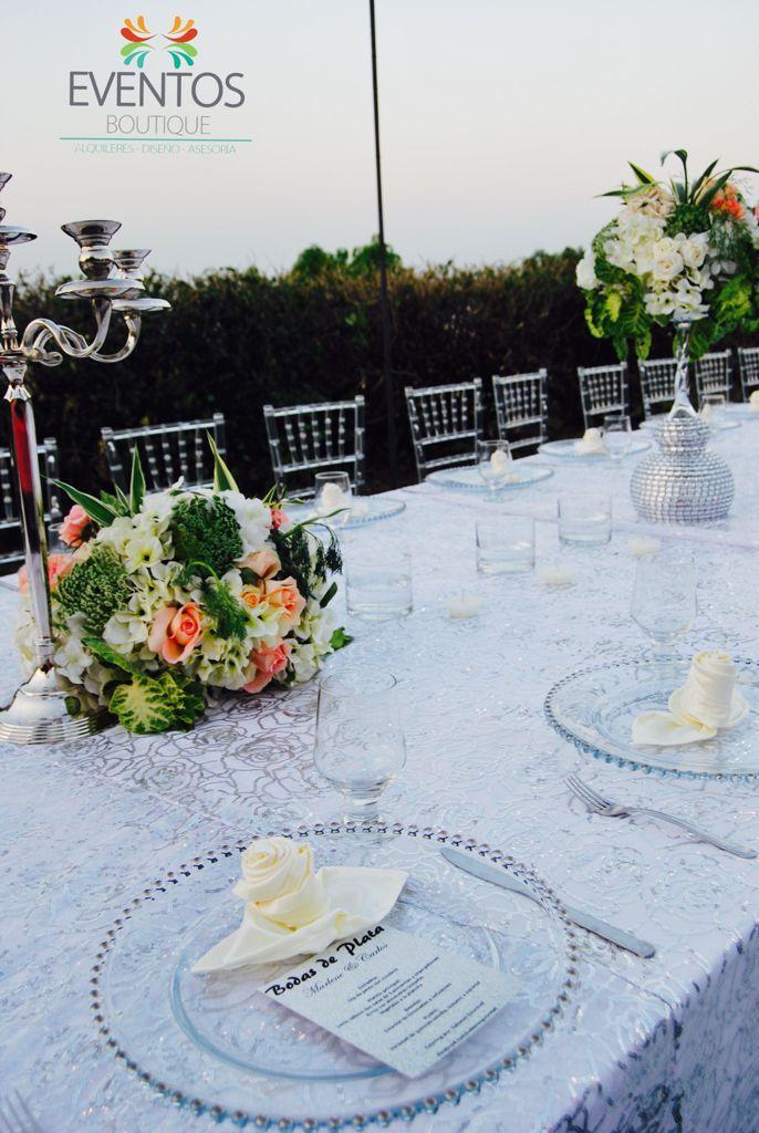 Mantel de lentejuela flora plata ideal para esta celebración