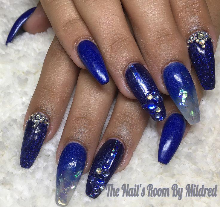 Vibrant blues for New Years #thenailsroom #uñas # ...