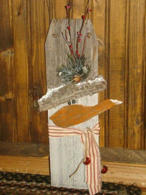 1334 best primitive christmas images on pinterest for Fence ornaments ideas