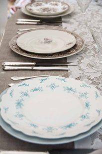 lyseblå o brun #borddekking #vintage #table setting