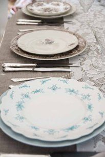 lyseblå o brun #borddekking #vintage #table setting