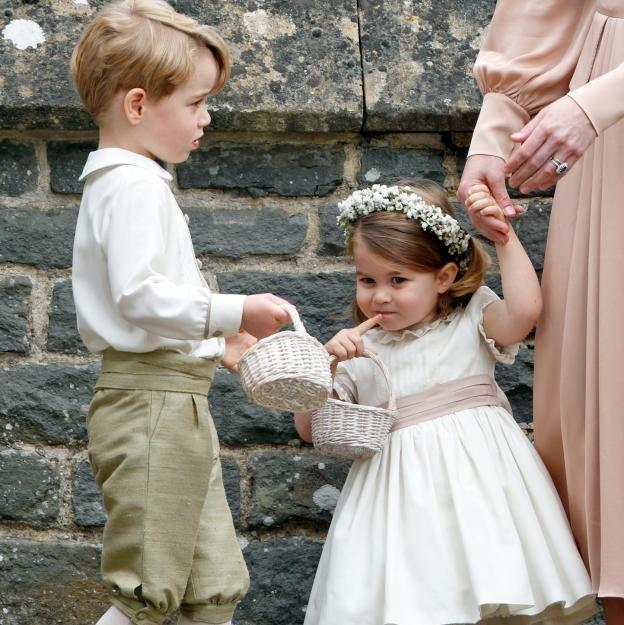 Awww George Und Charlotte Spielen Diese Rolle Auf Der Royalen Hochzeit Blumenkinder Hochzeit Pippa Middleton Hochzeit Hochzeit