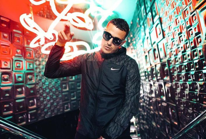 """DJ Snake's """"4 Life"""" Ft. G4SHI Gets Filthy Bass House Remix From Habstrakt  It truly has been the week of  DJ Snake . He hasn't dropped any new original music, but he's released some fire remixes of tracks off his debut album  Encore  . To catch you up, he's shared four  free remixes of his song, """" Here Comes The Night """" feat. Mr. Hudson, tapping bass acts like NGHTMRE, Crankdat and more. In addition to that, he released Malaa's sick house rework of """" Oh Me Oh My """" feat. Travis Scot.."""