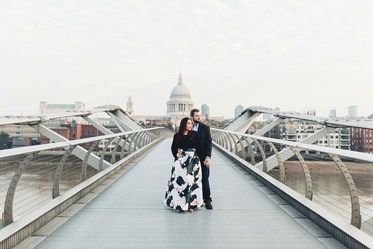 All the way from Boston to the streets of London. Erika & Steve wanted to capture some natural, intimate portraits while on holidayin one of their favourite cities, London. We met outside the …  #londonweddingphotographer #sunrisesession #londonengagement #pre-weddingshoot #missgenphotography
