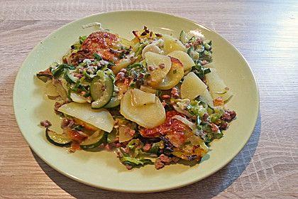 Kartoffel - Zucchini - Porree - Auflauf mit Hack, ein leckeres Rezept aus der Kategorie Überbacken. Bewertungen: 30. Durchschnitt: Ø 4,0.