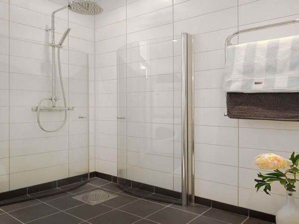 Bathroom,Awesome White Ceramic Tile Wall Swedish Bathroom Design Ideas With  Stunning Oversized Shower Head Faucet And Trendy Black Ceramic Tile Floor  Also ...
