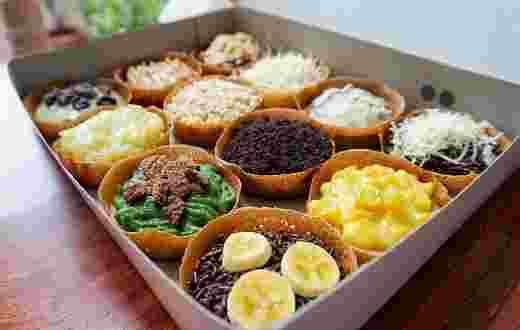 Kue martabak sudah terkenal di berbagai kota di Indonesia dengan rasa manis dan gurih. Apakah anda sudah mencoba martabak mini ? Jika belum, cari tahu tentang resep martabak mini di artikel ini.