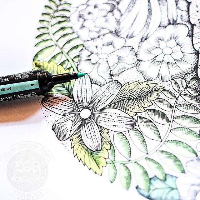 Zielono nam z rana :) są takie dni, że głowa huczy od pomysłów, ciężko to jednak ogarnąć i skonkretyzować ;) pozdrawiam twórczo! #agakubish #graphic #graphicdesign #illustration #design #art #arttools #artist #coloringbook #coloringbookforadults  #kolorowanka #kolorowankidladorosłych #green #marker #promarker #drawing #painting #sketch #doodle #ink #morning #flower #floral #garden