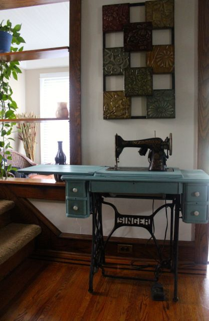 The Singer sewing machine, a great piece of design.
