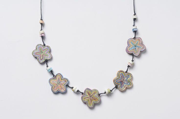 Flower magazine paper necklace