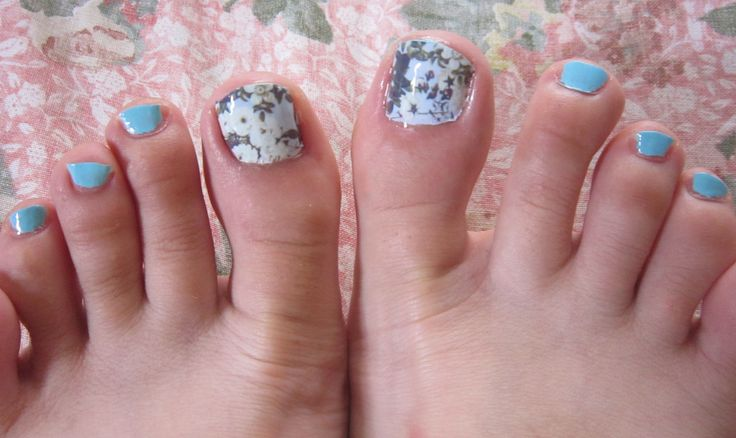 Nail Art #stickers #foot with #white #roses #flowers #nailart #summer #tutorial #review