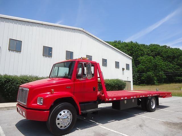 Excellent Shape 2001 Freightliner Fl70 Truck Trucks For Sale Trucks Freightliner