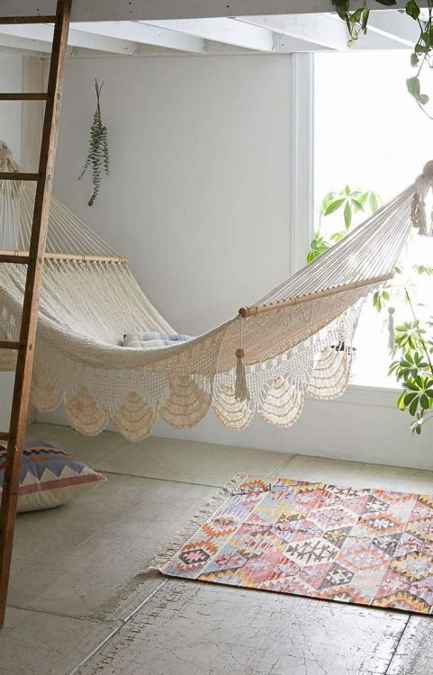 macrame hammock dreamy gardens pinterest bedrooms house and house goals. Black Bedroom Furniture Sets. Home Design Ideas