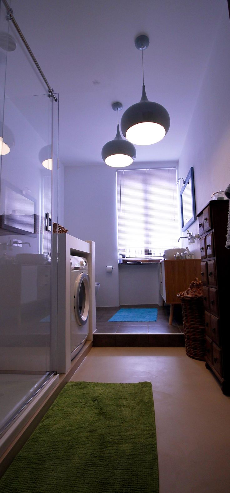 Ingresso bagno in resina; lampadari Maison Du Monde