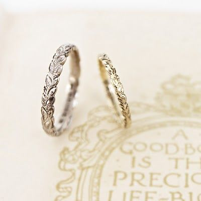 leaf ring wedding band...the baby gold one! @Lauren Holmes