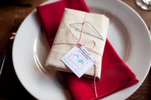 muslin bag as wedding favor - love all the bride's diy