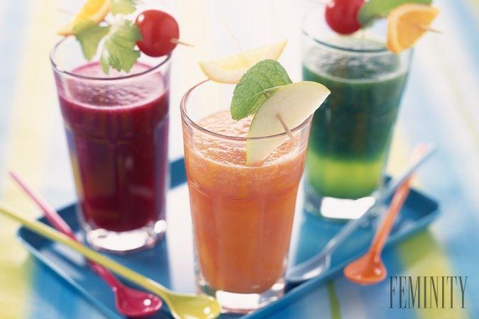 Recepty na zázračné nápoje, ktoré vám pomôžu znížiť tlak, zaspať, aj proti rakovine...