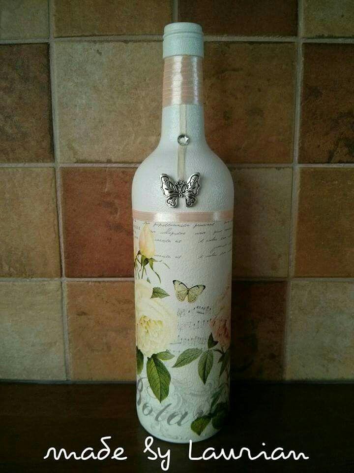Fles bewerkt met een servet.