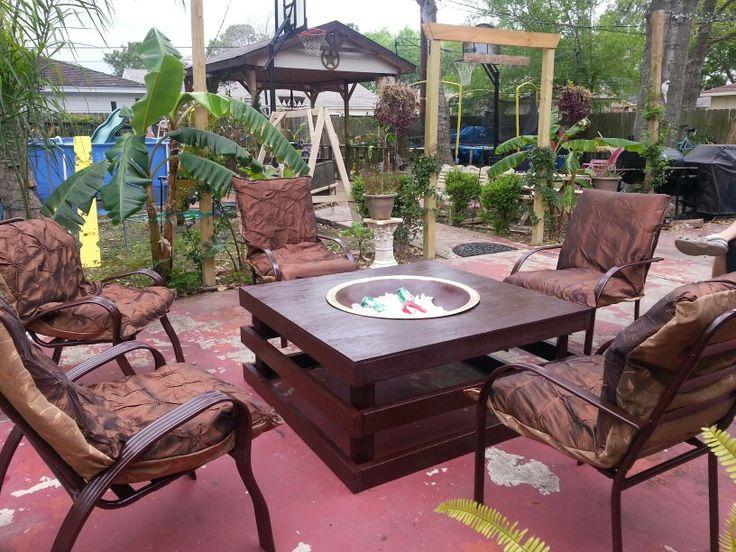 Mesa de jardin con centro de hielera o fogata cuarto de for Mesas de terraza y jardin