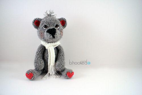 Teddy Bear - Free Amigurumi Pattern and Video Tutorial here: http://www.bhookedcrochet.com/2015/01/02/crochet-teddy-bear-pattern/