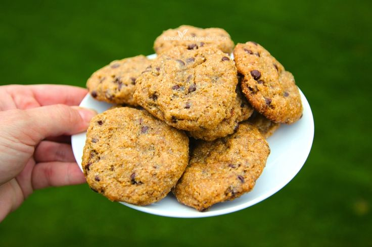 Gluten Free Chocolate Chip Cookies | WholeLifestyleNutrition.com