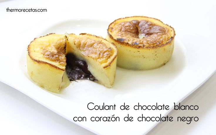 Coulant de chocolate blanco con corazón de chocolate negro - http://www.thermorecetas.com/2014/02/14/coulant-de-chocolate-blanco-con-corazon-de-chocolate-negro/