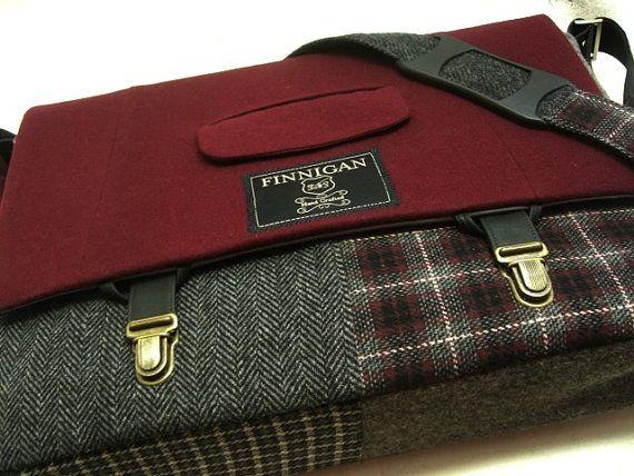 "15"" laptop Messenger Bag , 15""  Macbook  Pro Laptop Sleeve, tote bag, Trunk Latch,Recycled Suit Coat sur Etsy, $142.57 CAD"