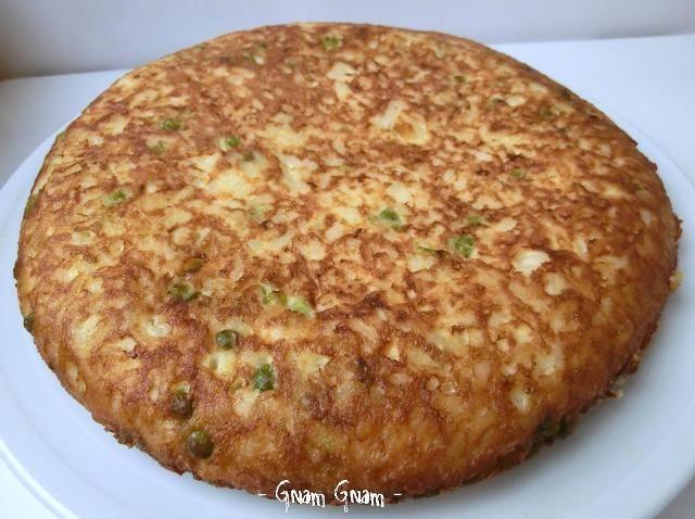 Frittata+di+riso+piselli+e+formaggio+%7C+Ricetta+riciclo
